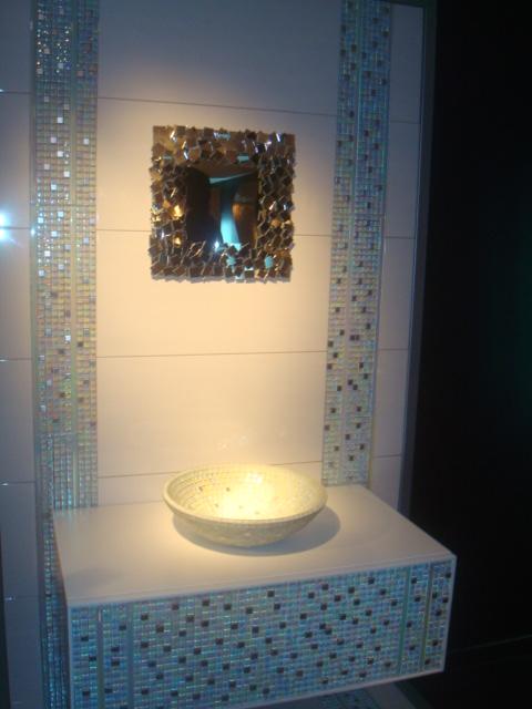 Malla alarab 30x30 vidrio moro revestimientos for Revestimiento de banos con guardas